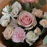 O florarie online Bucuresti iti livreaza florile in aceasi zi